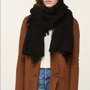 Hot Deal!  NEW SOIA & KYO CANDIDE KNIT SCARF